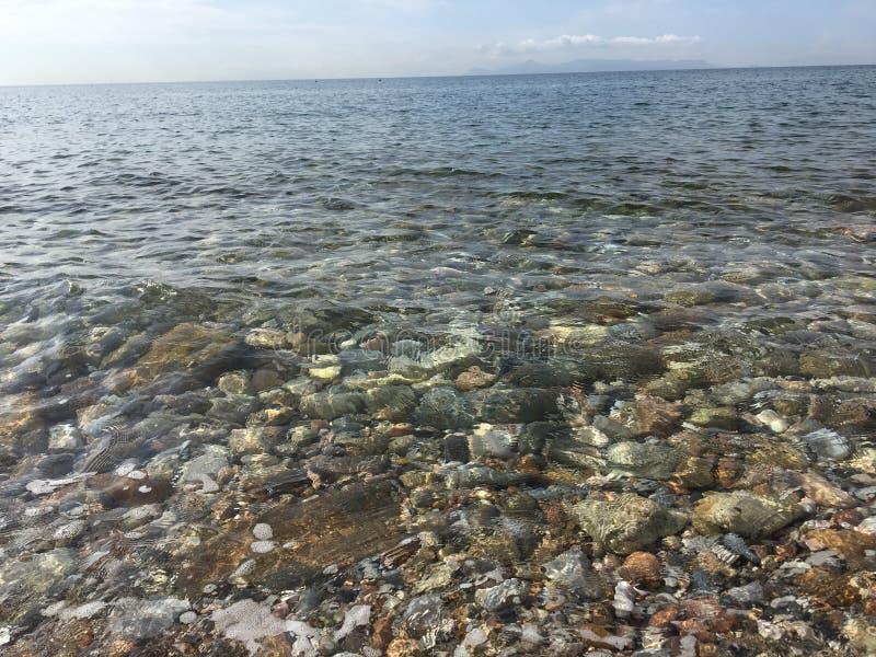 Les eaux claires photographie stock libre de droits
