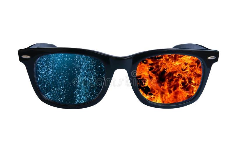 Les eaux du feu en verre images libres de droits