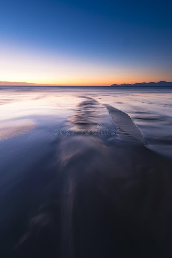 Les eaux lisses photos stock