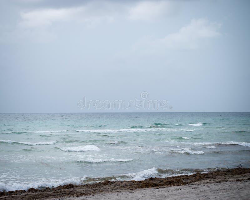 Les eaux rugueuses photos stock