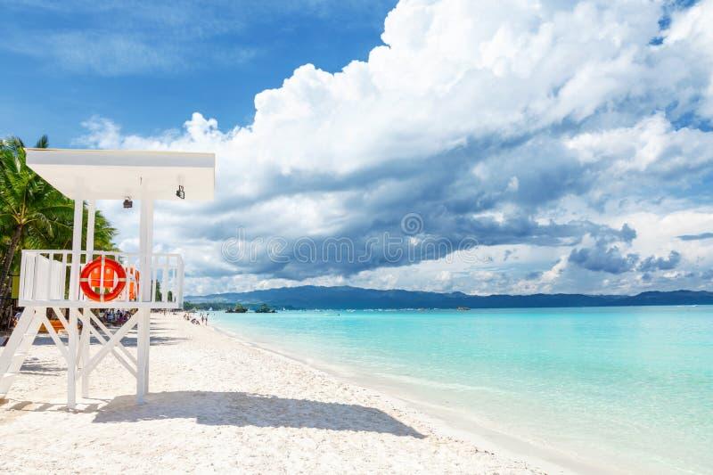 Les eaux transparentes et sable blanc à Boracay images stock