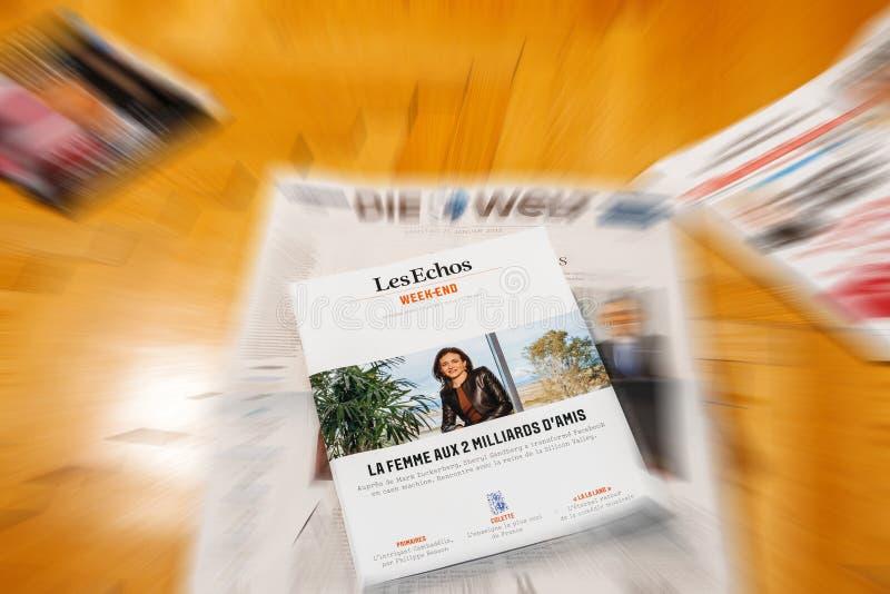 Les Echos ovanför Die Welt internationell tidningsjournalistik royaltyfri fotografi