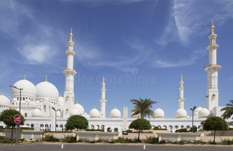 Les Emirats Arabes Unis L'Abu Dhabi Mosquée blanche images libres de droits