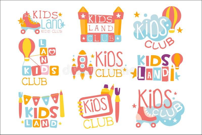 Les enfants débarquent le terrain de jeu et le club de divertissement réglés des signes colorés de promo pour les enfants de jeu  illustration stock