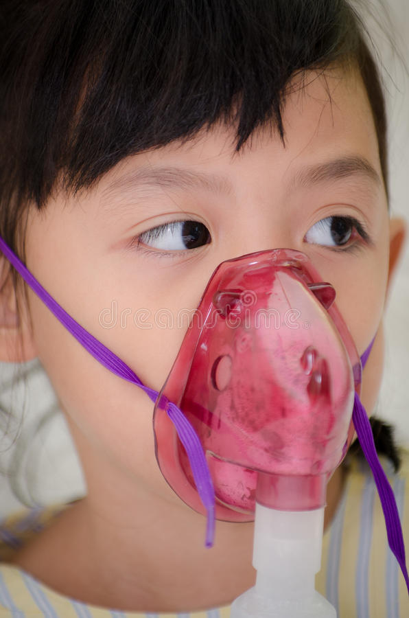 Les enfants de la Thaïlande ont eu respiratoire malade image libre de droits