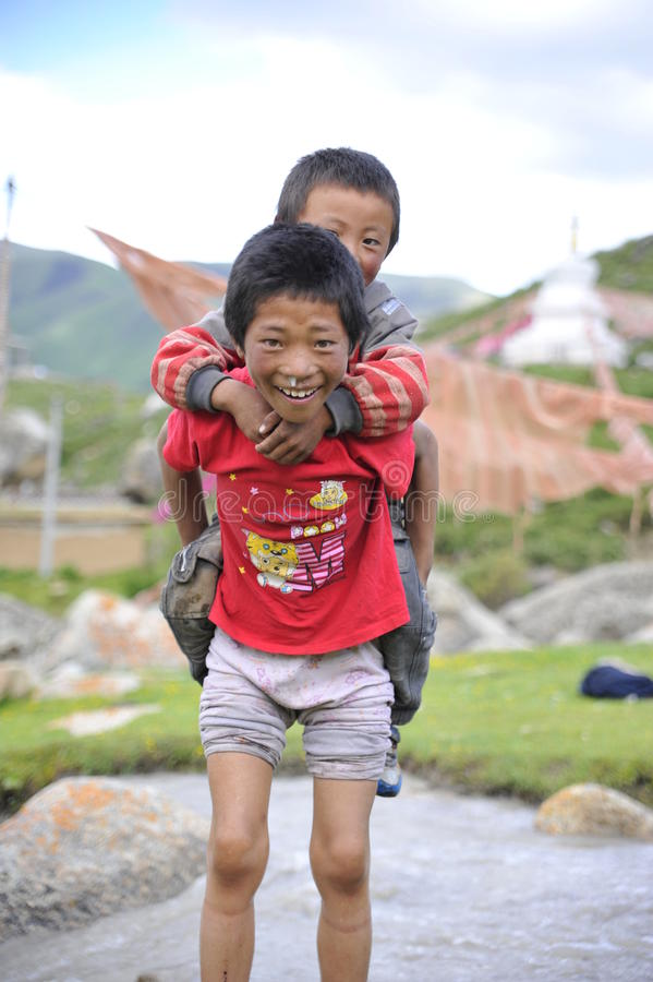 Les enfants innocents de Tibetant photos stock