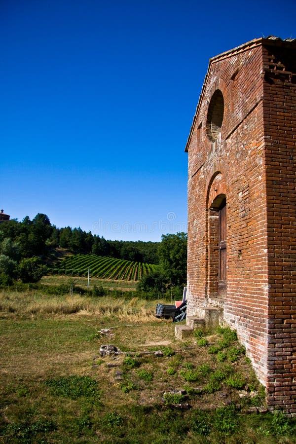 Les environnements Toscane, Italie de l'abbaye de San Galgano photographie stock libre de droits
