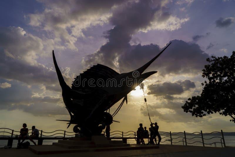 Les espadons sculptent orner la plage dans ao Nang photographie stock libre de droits