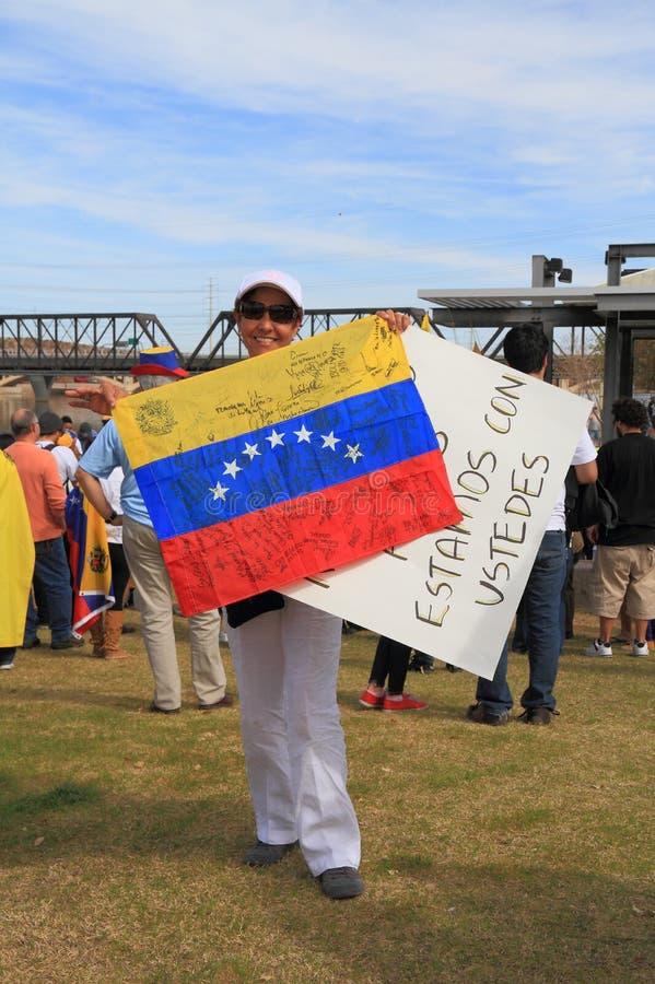 LES ETATS-UNIS, AZ : Rassemblement pour Venezuela>Signatures sur le drapeau images libres de droits