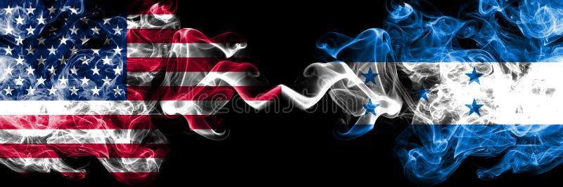 Les Etats-Unis d'Amérique contre le Honduras, drapeaux mystiques fumeux honduriens placés côte à côte Drapeaux soyeux color illustration stock