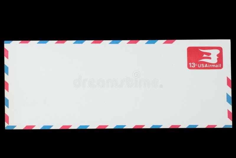 LES ETATS-UNIS D'AMÉRIQUE - VERS 1968 : Une vieille enveloppe pour la poste aérienne photo stock