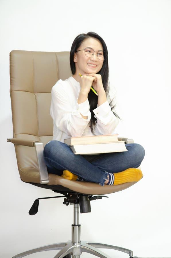 Les femmes asiatiques sourient photo stock
