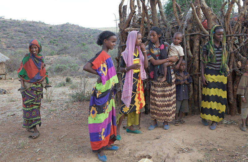 Les femmes et les enfants africains image libre de droits