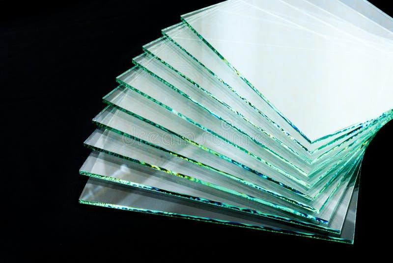 Les feuilles de panneaux clairs gâchés par fabrication en verre de flotteur d'usine ont coupé pour classer image libre de droits