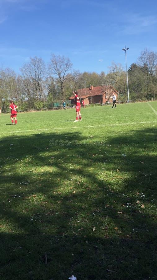 Les filles allemandes du football jouent juste images stock