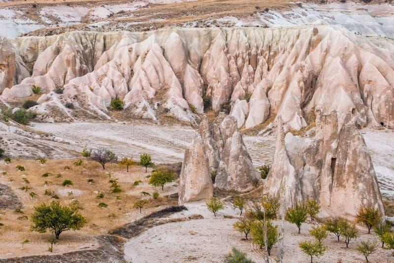 Les formations de roche aménagent en parc dans Capapdocia, Turquie image libre de droits