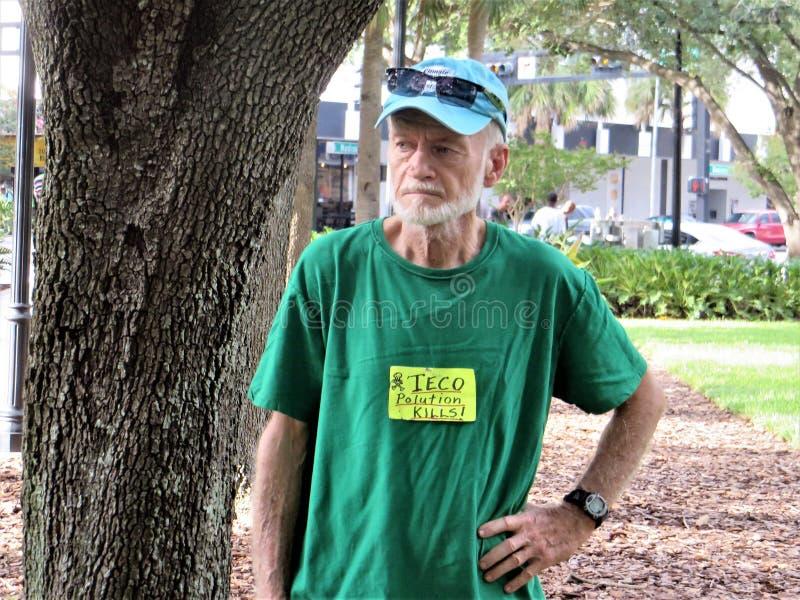 Les gens contre la protestation de TECO, Tampa, la Floride photo libre de droits