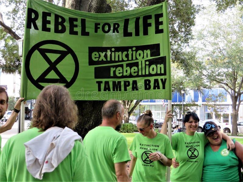Les gens contre la protestation de TECO, Tampa, la Floride photos libres de droits