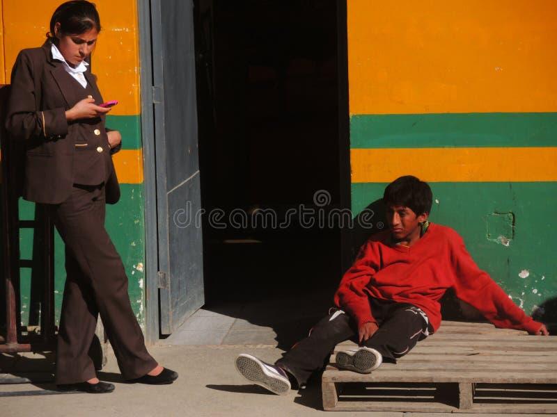 Download Les gens dans Cusco, Pérou image éditorial. Image du ethnicity - 77151145