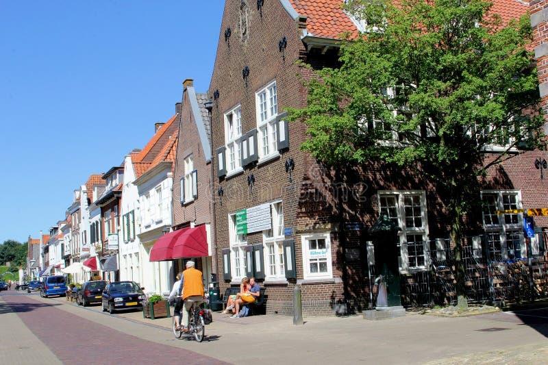 Download Les Gens Font Un Cycle Dans Naarden Investissant, Pays-Bas Photographie éditorial - Image du people, netherlands: 76084122