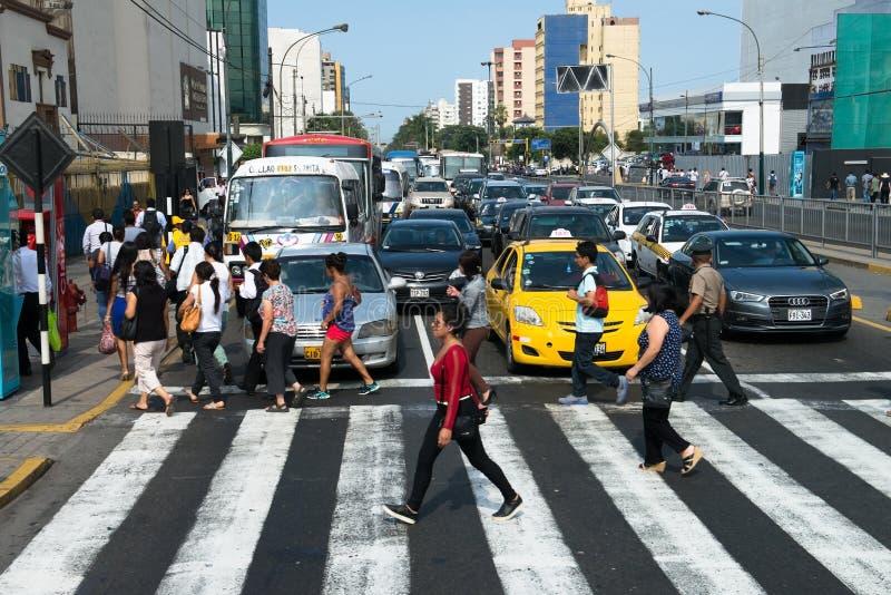 Les gens, le trafic, Lima Peru Travel image libre de droits