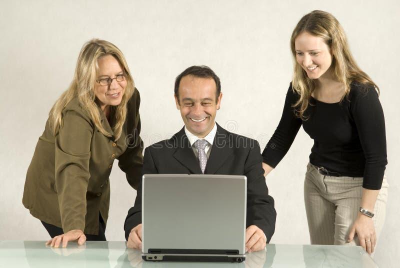 Les gens lors de la réunion d'affaires images libres de droits