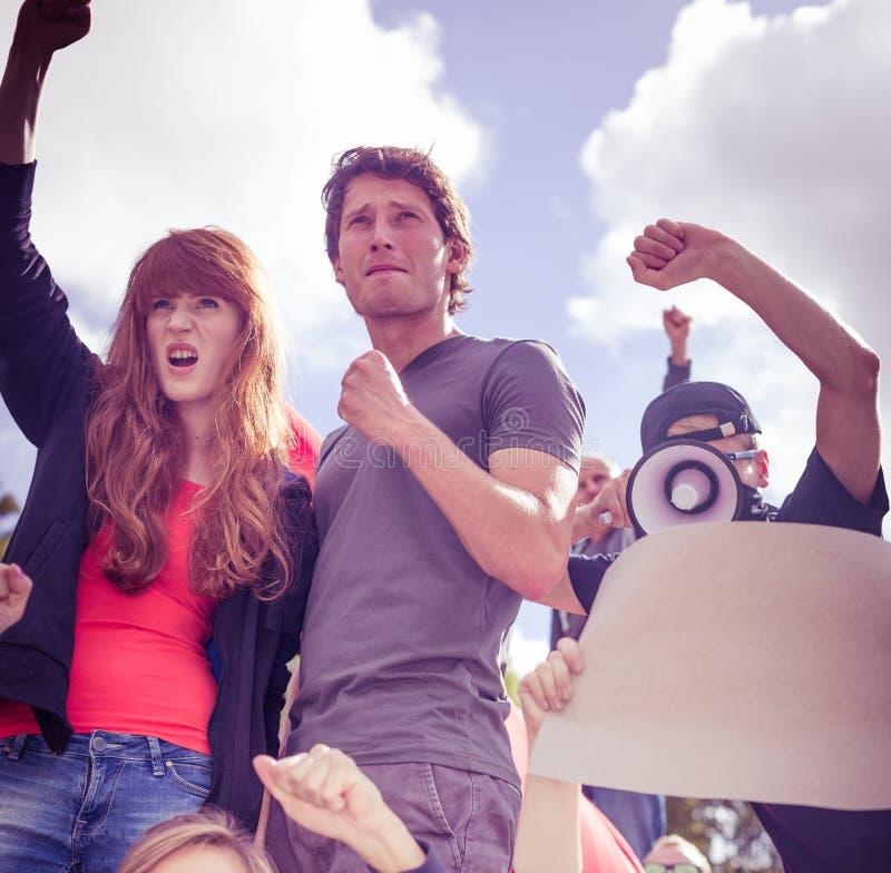 Les gens luttant pour des droits de l'homme images stock