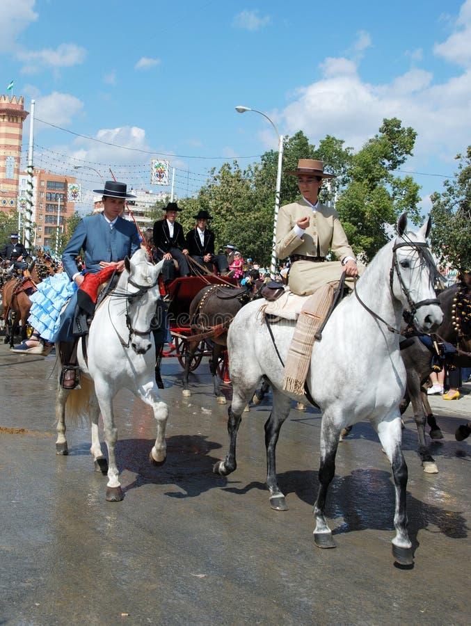 Les gens sur des chevaux chez la Séville juste images stock