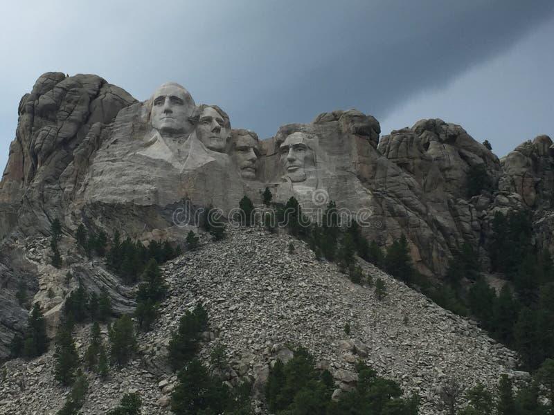 Les gens sur la montagne images stock
