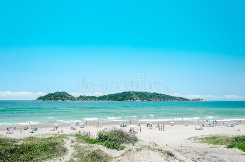 Les gens sur la plage de Campeche images stock