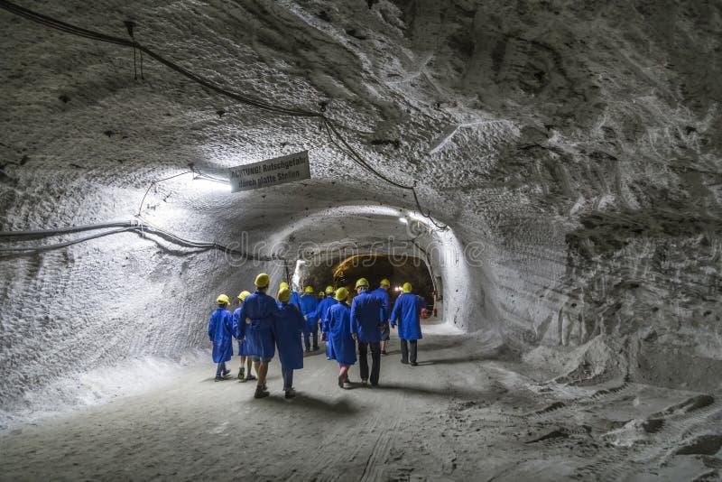 Les gens visitent l'usine d'extraction Sondershausen en Allemagne photographie stock