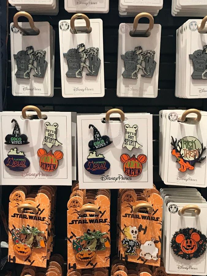 Les goupilles orientées du collecteur de Disney Halloween photos stock