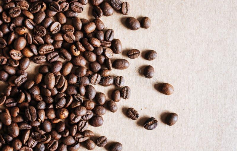 Les grains de caf? se ferment vers le haut photos stock