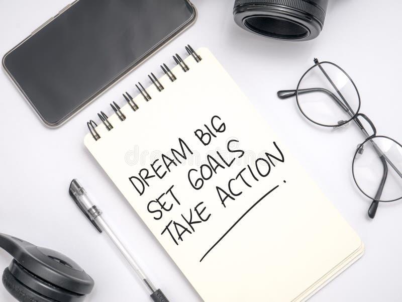 Les grands buts rêveurs d'ensemble agissent photo stock