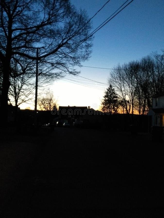 Les grands soleils de matin de beau jour  photographie stock libre de droits