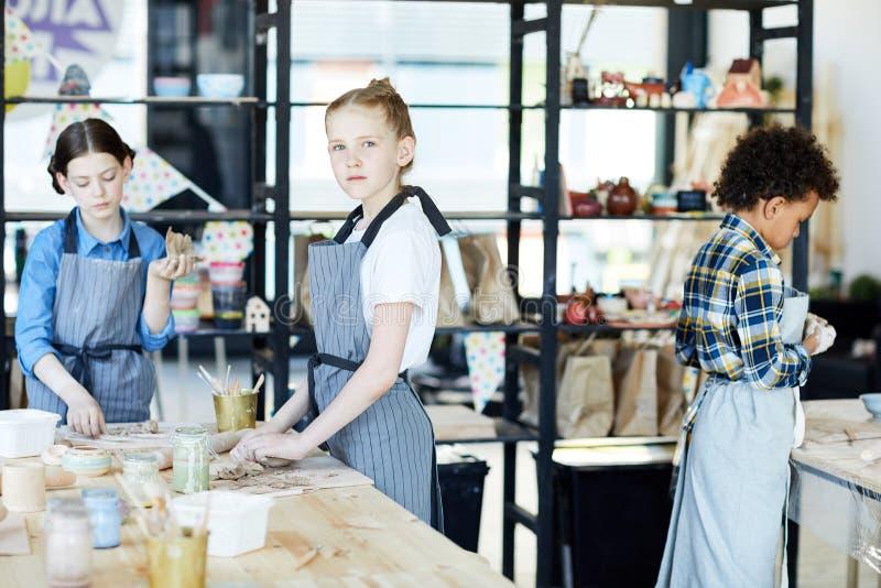Les in handcraftworkshop stock foto