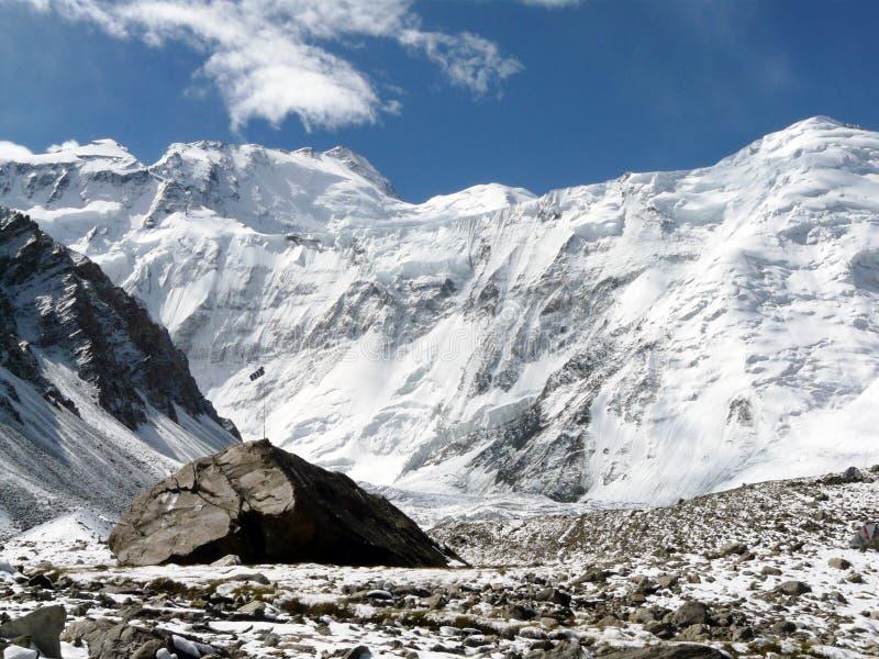 Les hautes montagnes de l'Asie images libres de droits