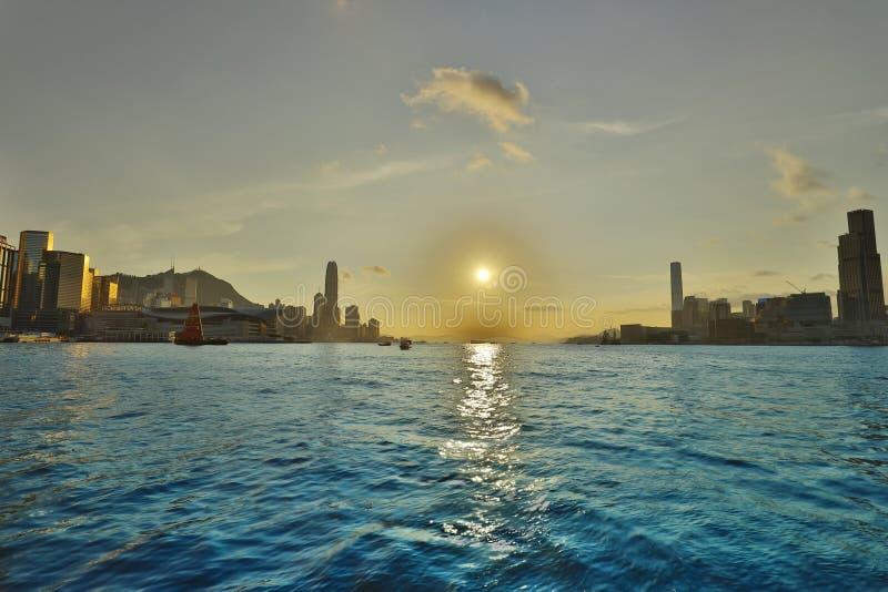 les horizons de Hong Kong entre Kowloon images libres de droits