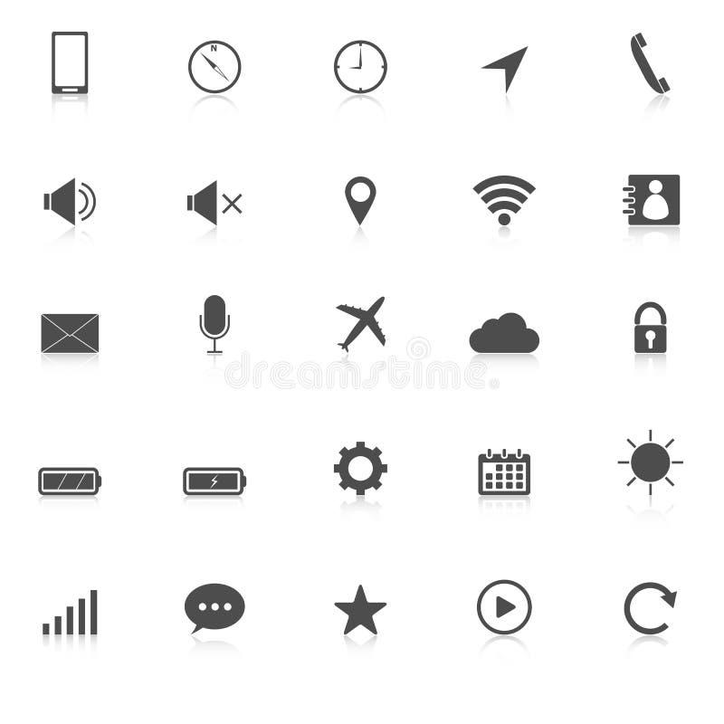 Les icônes de téléphone portable avec réfléchissent sur le backgroun blanc illustration stock