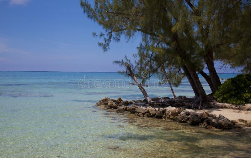 Les Iles Cayman - point de rhum images stock
