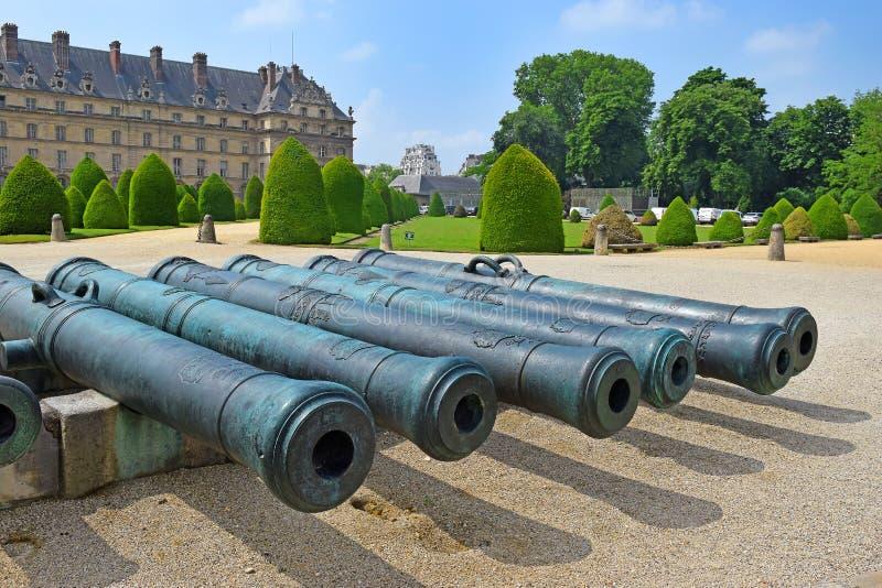Les Invalides e museo dell'esercito a Parigi, Francia fotografie stock libere da diritti