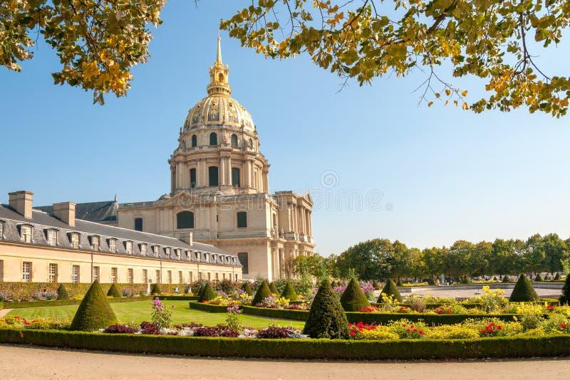 Les Invalides sławny kompleks i park zdjęcie stock