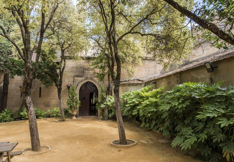 Les jardins à l'intérieur de l'accès à l'hommage dominent, il est un courage de Mosl images stock