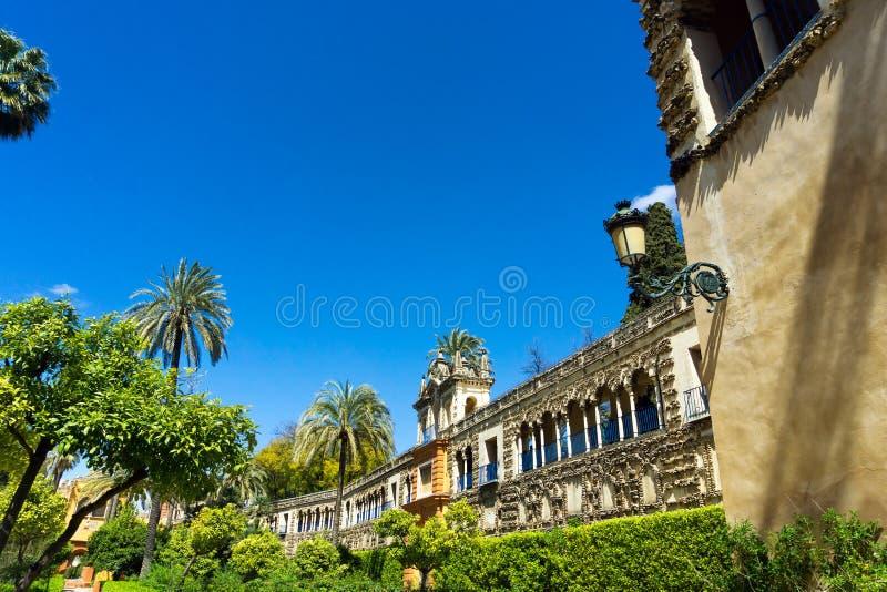 Les jardins de ZAR de ¡ d'Alcà et le Galeria de Grutescos dans le vrai palais d'Alcazar en Séville, Espagne image stock