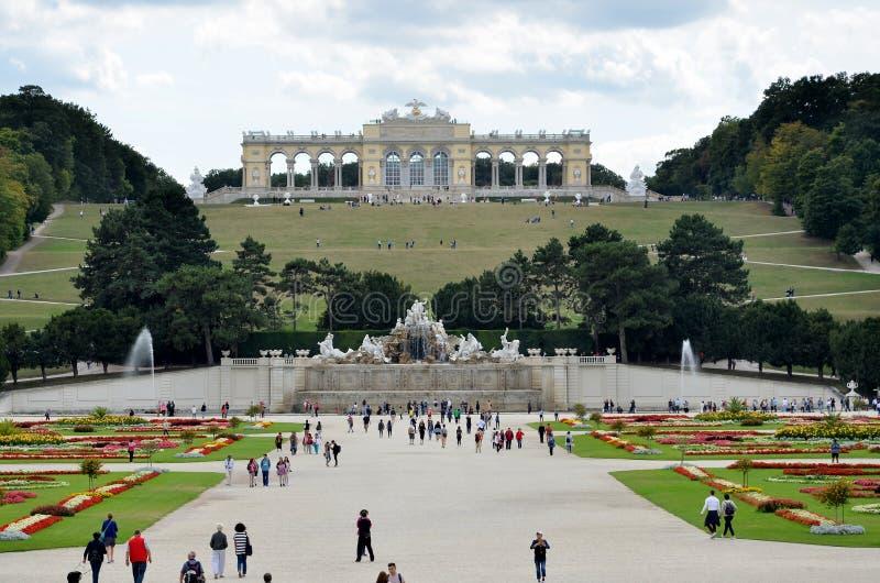 Les jardins du palais impérial à Vienne image stock