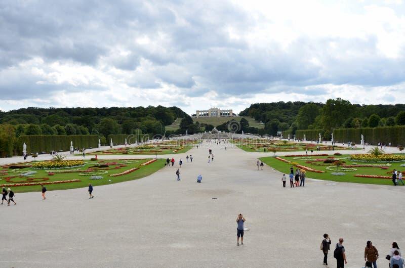 Les jardins du palais impérial à Vienne images stock