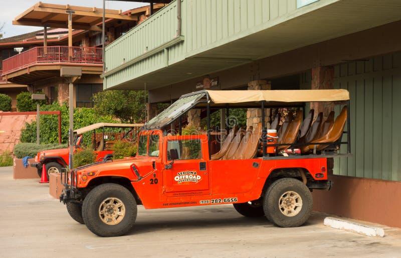 Les jeeps rocailleuses utilisées pour le canyon voyage dans le désert photo libre de droits