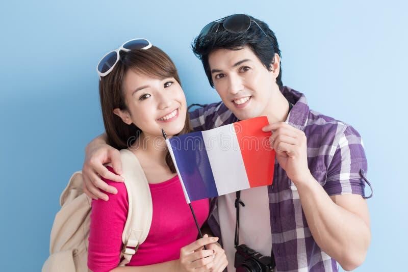 Les jeunes couples vont voyager photo stock