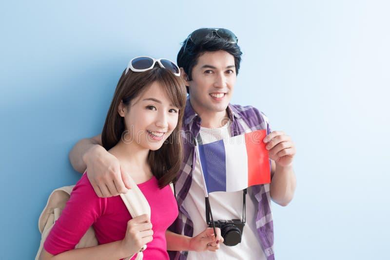 Les jeunes couples vont voyager photos stock