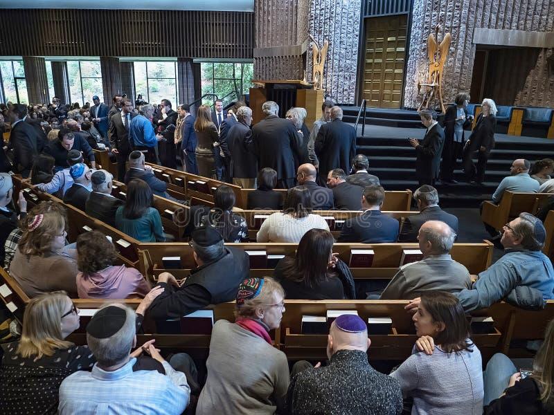"""Les juifs se réunissent pour """"une observance solennelle du deuil et de l'outrage """" photos libres de droits"""